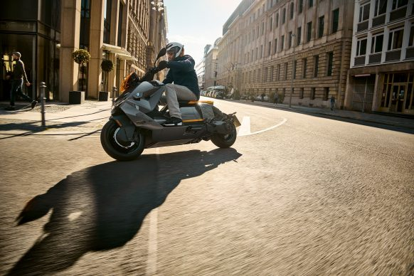 070721-2022-bmw-ce-04-electric-scooter-P90428739