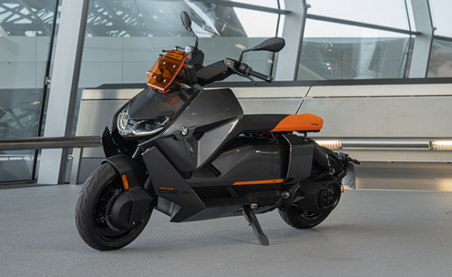 070721-2022-bmw-ce-04-electric-scooter-f