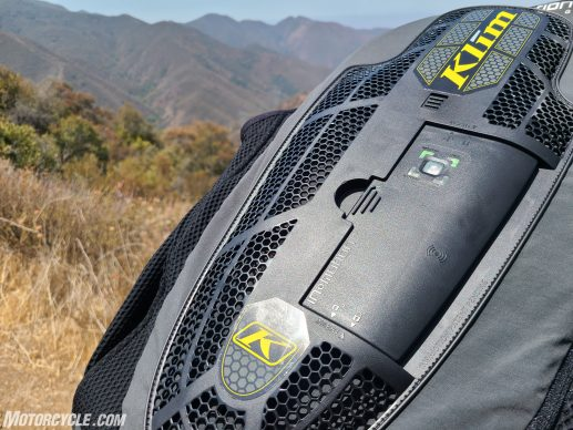 In&Motion airbag vest adventure close up