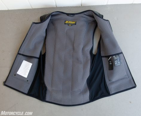 In&Motion airbag vest open