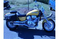 Showthread furthermore Honda Vf 1100 C 1983 1098 also Best 20 Honda Cafe Racer Of 2015 Cx500 Cb750 Cb750f And More together with Wiring Diagram X  Radio as well 94 Infiniti J30 Engine. on 94 honda magna specs