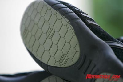 Shift Fuel Shoe Review GM5V6421