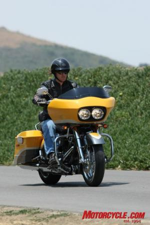 2009 HD CVO Intro BJN68866