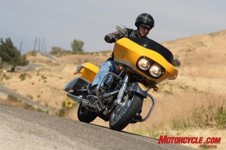 2009 HD CVO Intro BJN51343