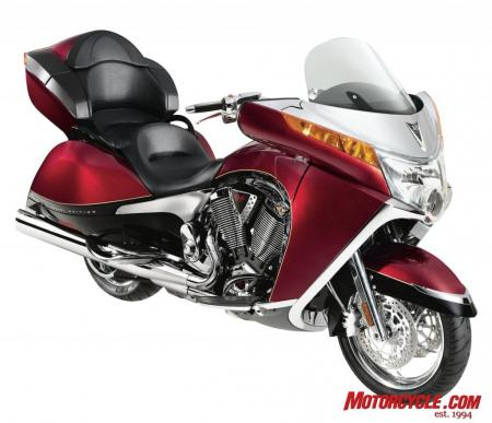 2009 Victory Motorcycles Vision 10thAnniv 09 3QBeauty