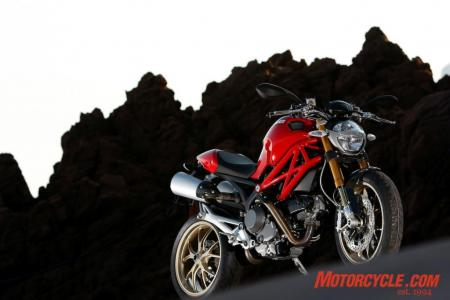 2009_Ducati_Monster_1100__MC_0024
