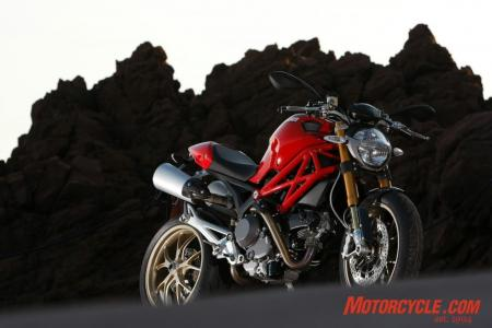 2009_Ducati_Monster_1100__MC_0040