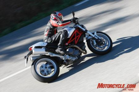 2009_Ducati_Monster_1100__MC_1523