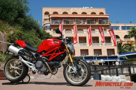 2009_Ducati_Monster_1100__MC_9964