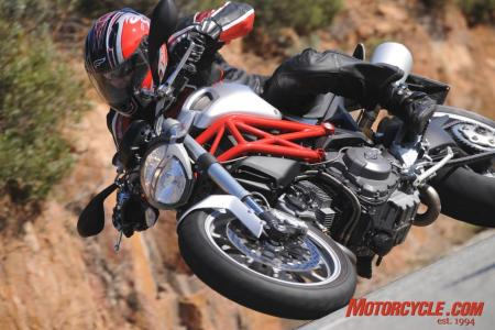 2009_Ducati_Monster_1100_AC1_3571
