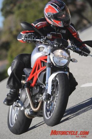 2009_Ducati_Monster_1100_AC1_3631