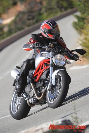 2009_Ducati_Monster_1100_AC1_3989