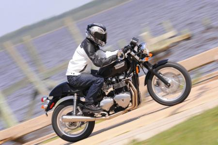 2009 Triumph Thruxton Action