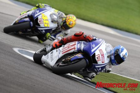 A rare mistake by Valentino Rossi has revived Jorge Lorenzo's championship hopes.