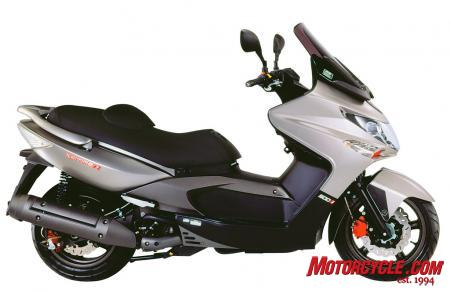 2010 Kymco Xciting 500Ri ABS Studio4