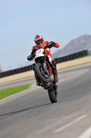 Ducati Hypermotard 1100 EVO SP 3MC9482