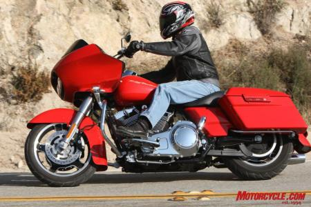 RoadGlide CrossCountry Comparo FONZ5771