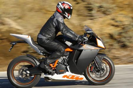 With handlebars in their high position and pegs low, the RC8R has a surprisingly accommodating riding position.