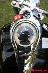 The Kawi dash lacks a tachometer, but the dual LCD panels offer a gear position indicator and a fuel/mileage remaining feature amongst other standard information.