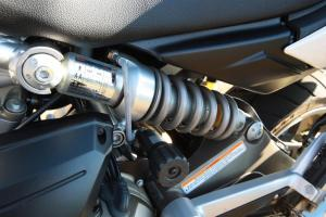 Both bikes provide for shock spring preload via an easily accessed hand dial.