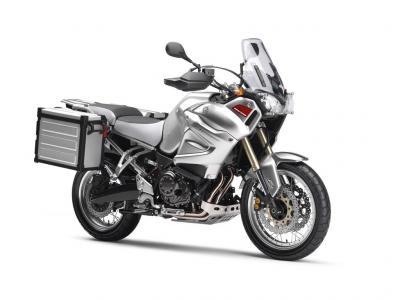 The 2010 Yamaha Super Tenere will come in Viper Blue and Silver Tech colors.