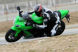 Pete scything through the Streets of Willow on the updated Kawasaki ZX-10R.