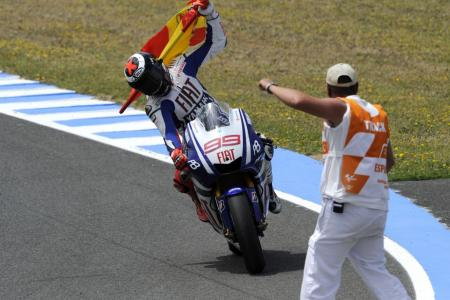 Jorge Lorenzo nets his first win of the season in his native Spain.
