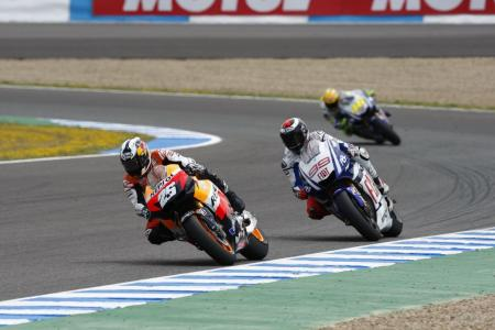 Dani Pedrosa seemed to have gotten the hang of the RS212V's suspension but he could not hold off his fellow Spaniard, Jorge Lorenzo.