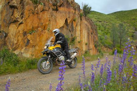 The GS Adventure in its element. This mildly challenging gravel mountain road is a cakewalk for globetrotting Adventure.