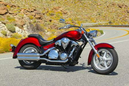 The 2010 Honda VT1300 Stateline is long and low, much like its brother, the VT1300 Sabre.