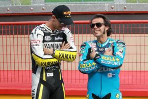 Colin Edwards and Loris Capirossi share a quiet moment at Mugello.
