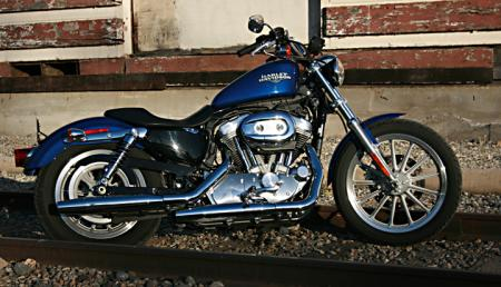 Harley-Davidson 883 Low Tracks1