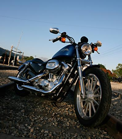 Harley-Davidson 883 Low Tracks2