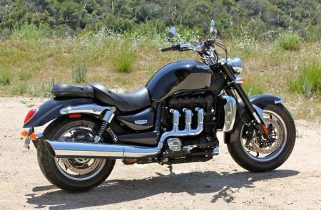 Triumph Rocket III Roadster vs Star VMax IMG_0588