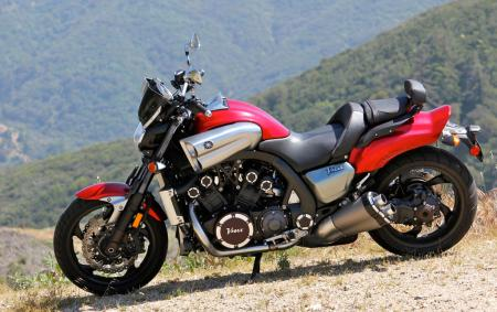 Triumph Rocket III Roadster vs Star VMax IMG_0662