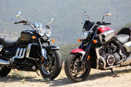 Triumph Rocket III Roadster vs Star VMax IMG_0667