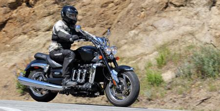 With its roomy and open rider environment, the Roadster retains a strong cruiser-ish influence.