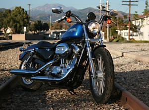 Despite the 883L's appearance as a big, tough cruiser, it posses one of the lowest seat heights in Harley's line up, and is the least expensive model from the Milwaukee-based company for 2010.