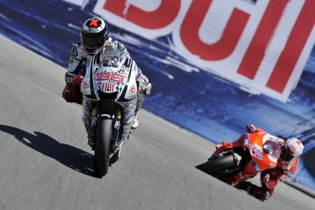 Jorge Lorenzo captured his sixth win in nine races while Casey Stoner reached the podium for the fourth consecutive race.