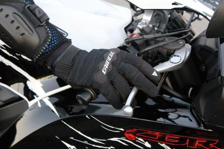 The Air Tex gloves have no gauntlet, and allow maximum airflow.