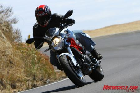 Ducati Monster 796 vs Triumph Street Triple R IMG_6392