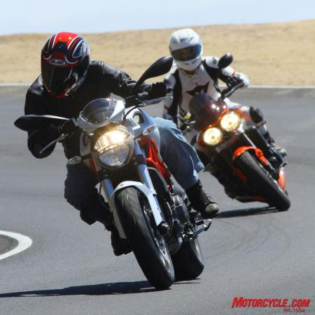 Ducati Monster 796 vs Triumph Street Triple R IMG_6424