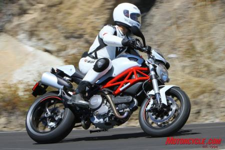 Ducati Monster 796 vs Triumph Street Triple R IMG_6535