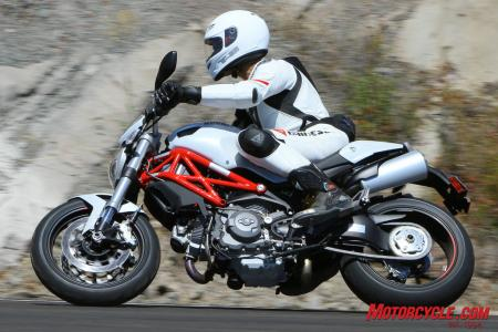 Ducati Monster 796 vs Triumph Street Triple R IMG_6544