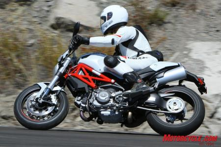 Ducati Monster 796 vs Triumph Street Triple R IMG_6545