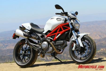 Ducati Monster 796 vs Triumph Street Triple R IMG_6568