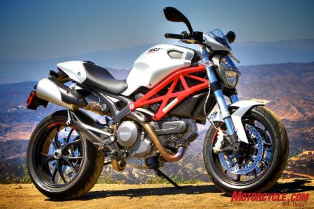 Ducati Monster 796 vs Triumph Street Triple R IMG_6579