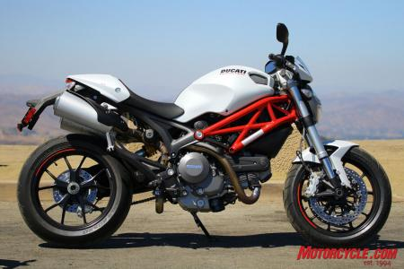 Ducati Monster 796 vs Triumph Street Triple R IMG_6745