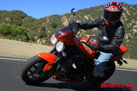 Ducati Monster 796 vs Triumph Street Triple R IMG_6842