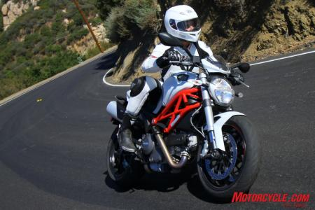 Ducati Monster 796 vs Triumph Street Triple R IMG_6854